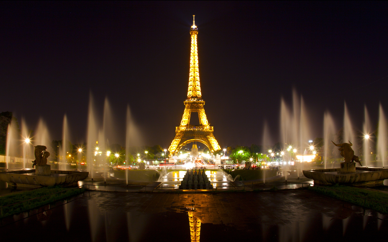REVELION PARIS- ORASUL LUMINILOR de la 425 euro