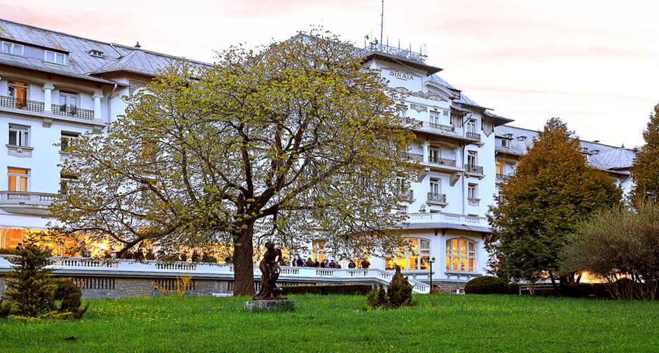 REVELION HOTEL PALACE 4*- SINAIA de la 1814 Lei