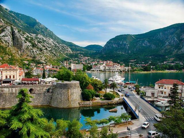 CIRCUIT 2015 MUNTENEGRU- ALBANIA de la 225 euro