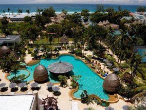 swimming-pool-beach-50976-crop