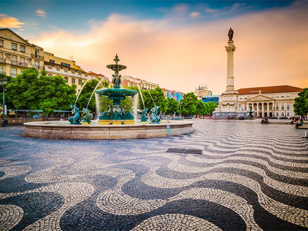 CIRCUIT 2017 – LISABONA – COSTA DE CAPARICA de la 654 euro